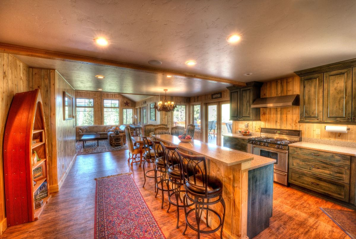 Image 2 COLORADO HUNTING CABIN RENTAL AND LAND ACCESS