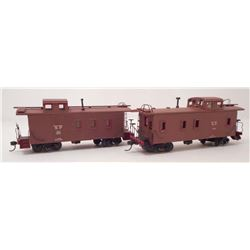 LOT OF 2 VINTAGE SOUTHERN PACIFIC  MODEL TRAIN CABOOSE CARS