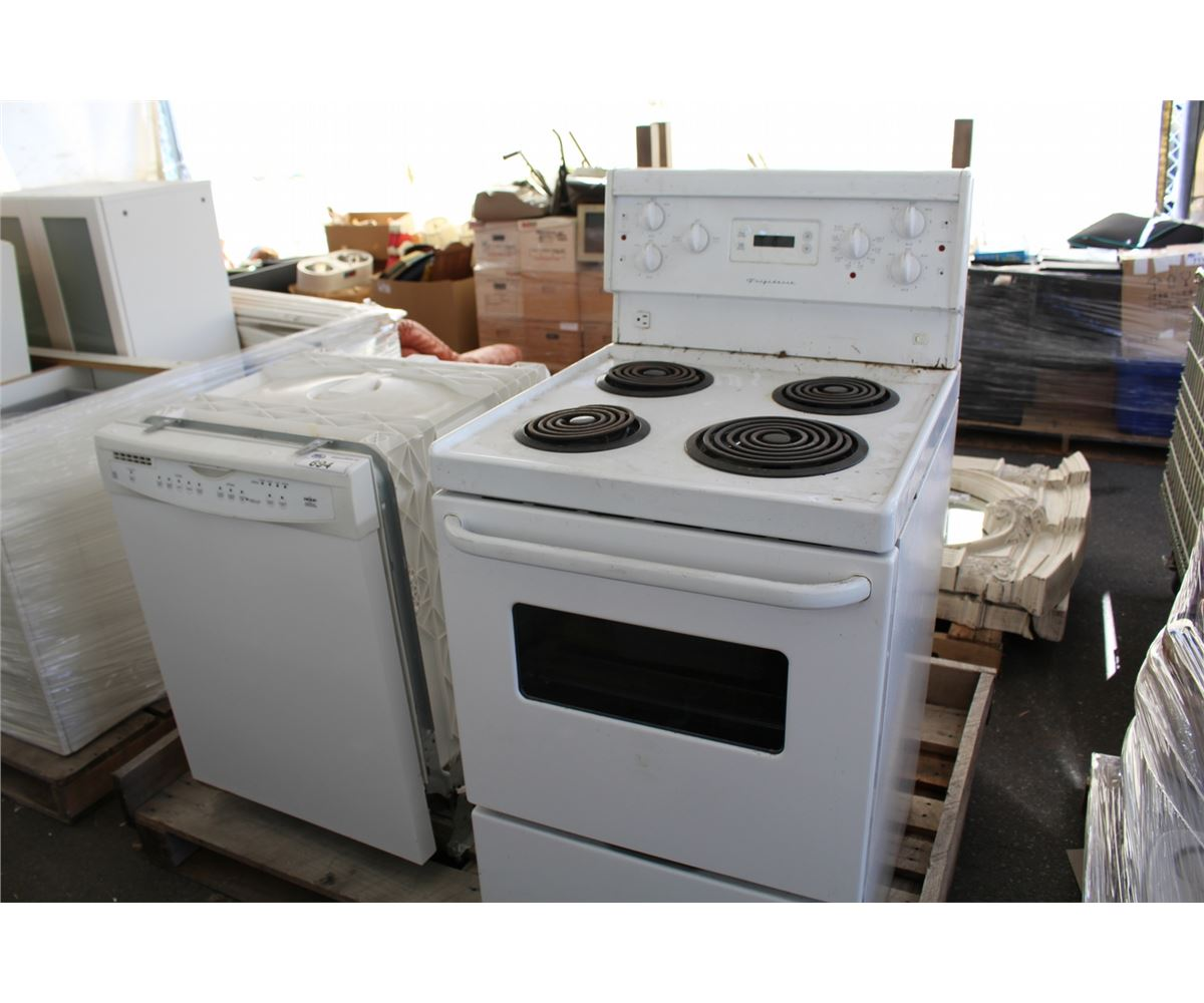 WHITE FRIGIDAIRE APARTMENT SIZE STOVE AND AN WHIRLPOOL