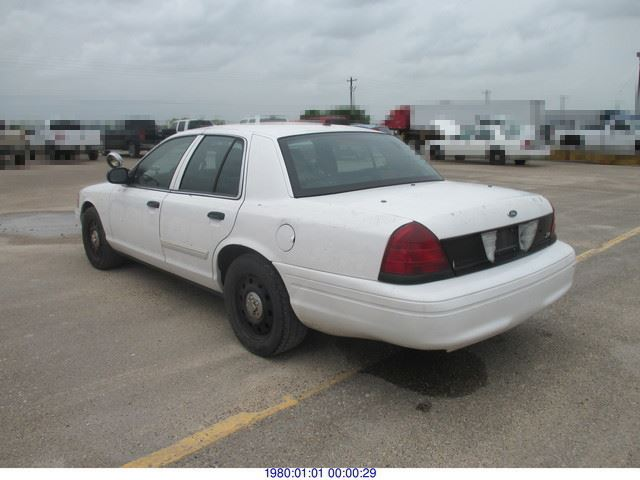 2009 Ford Crown Victoria photo - 3