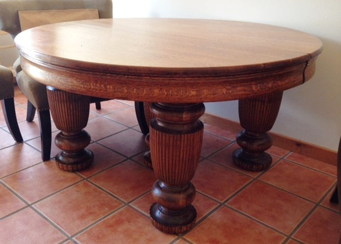 Fancy round oak dining table 54 5 ornate turned legs for Fancy round dining table