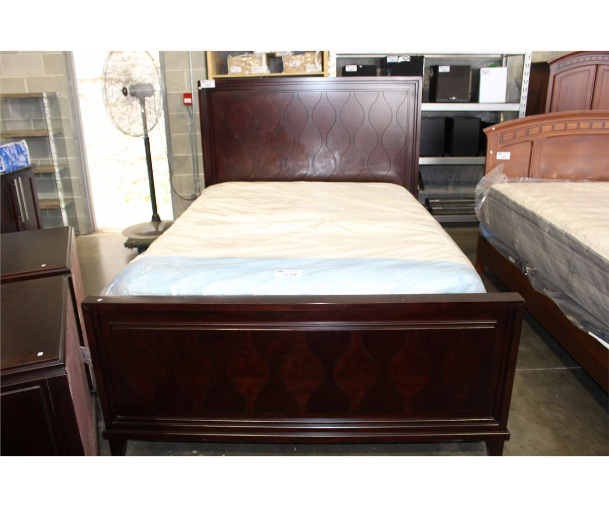 Headboard And Footboard Queen: 3PC QUEEN SIZE BEDROOM SET; BED HEADBOARD FOOTBOARD AND