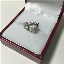 ONE PAIR OF 14KT WHITE GOLD LADIES DIAMOND STUD EARRINGS. SET WITH ONE 1.00CT MODIFIED BRILLIANT