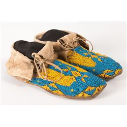 "Northern Plains Beaded Woman's Moccasins, 9 ½"" long"