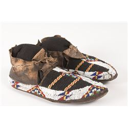 "Northern Plains Man's Beaded Moccasins, 10 ½"" long"