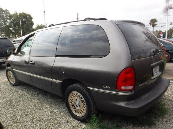97 chrysler town and country 4 dr passenger van exten t drive. Black Bedroom Furniture Sets. Home Design Ideas
