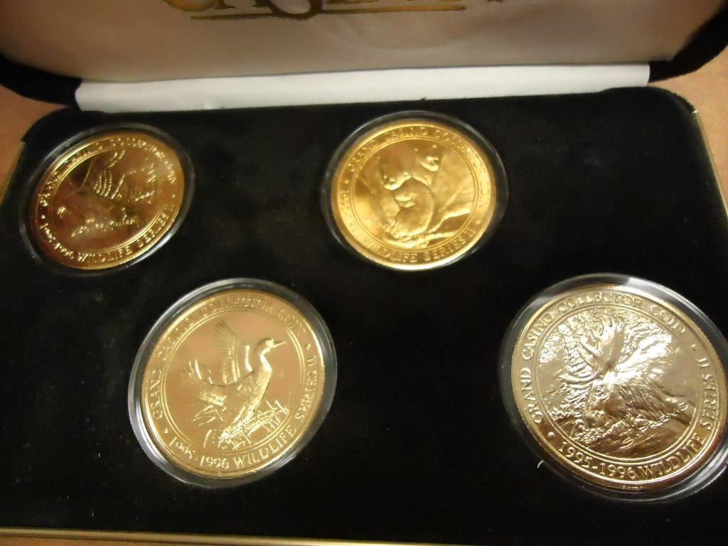 Casino coin collector gold grand gambling man kenny rogers