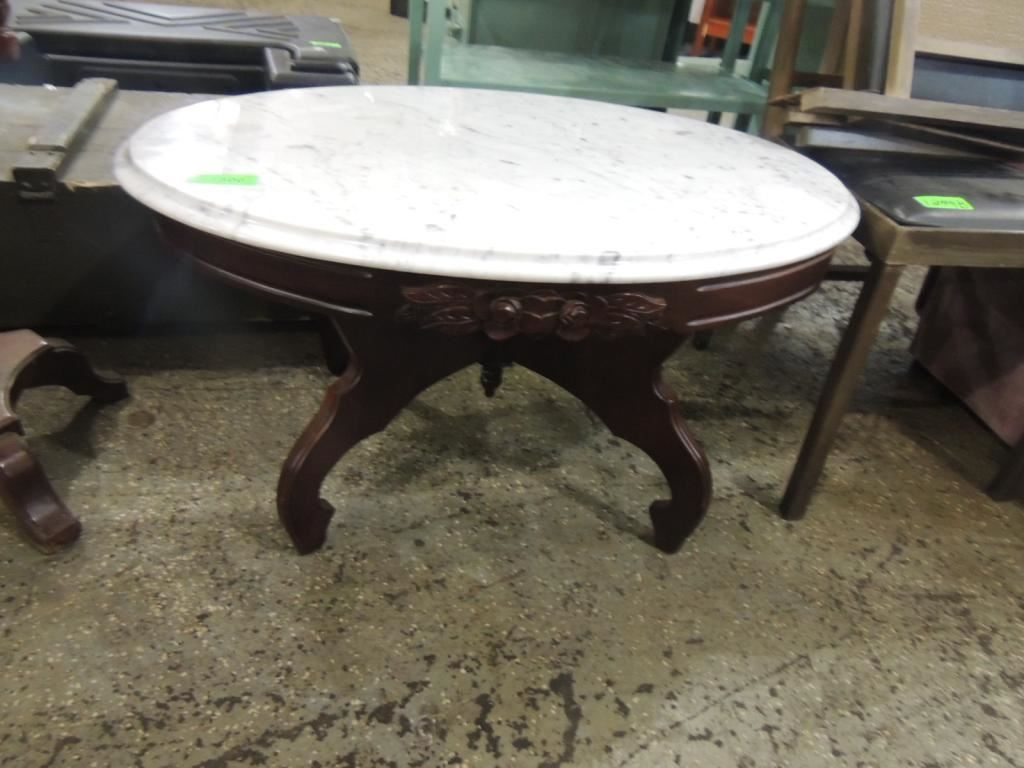 ... Image 2 : KIMBALL VICTORIAN MARBLE TOP COFFEE TABLE