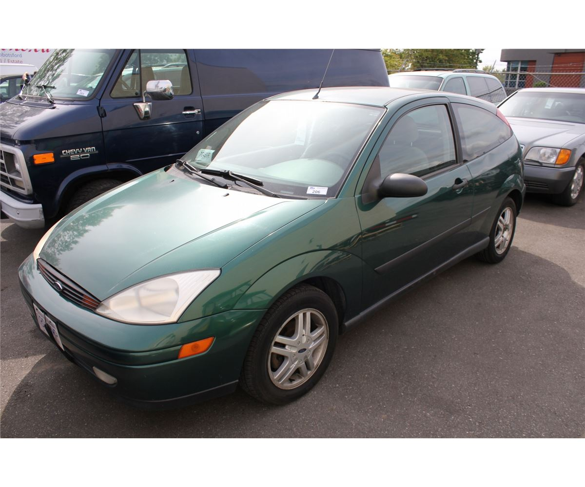 2000 ford focus zx3 2 door hatchback green vin 3fafp3132yr223139. Black Bedroom Furniture Sets. Home Design Ideas