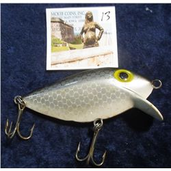13. Shad Diving Floater with dual Treble hooks. No name. No box.