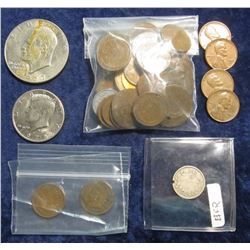 343. (30) Unsorted U.S. Wheat Cents; 1972 D Kennedy Half Dollar; 1977 D Eisenhower Dollar; 1918 Cana