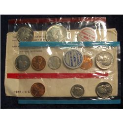 777. 1969 US Mint Set. Original as Issued.