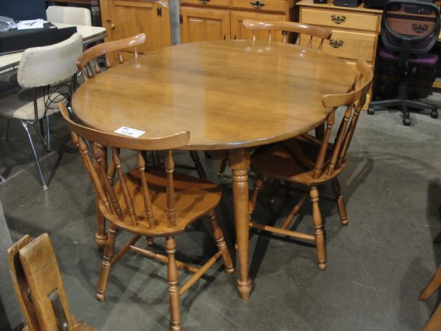 Image 1 VILAS SOLID MAPLE 6PC DINING TABLE SET WITH ONE LEAF AND