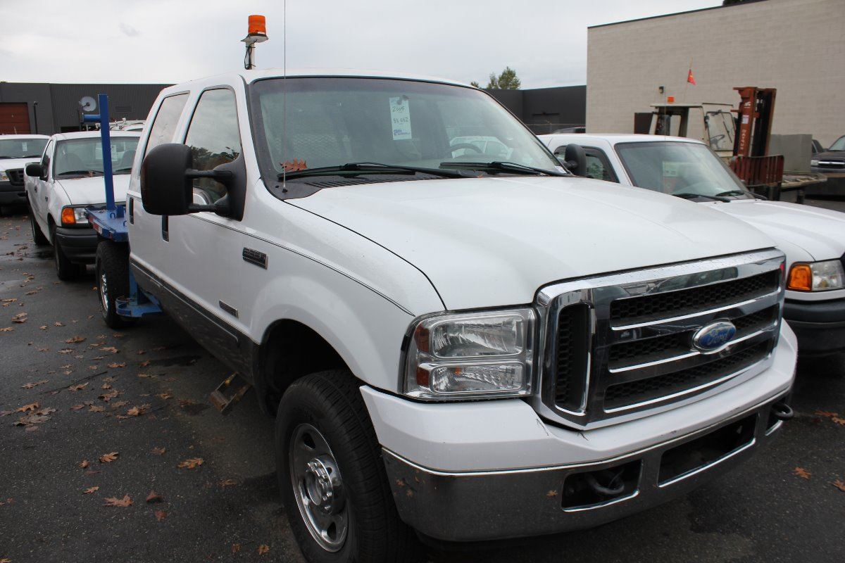 2005 ford f 350 xlt super duty 4 door p u white vin 1ftww31p15eb93663 able auctions. Black Bedroom Furniture Sets. Home Design Ideas