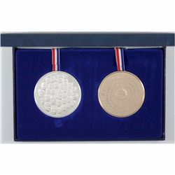 1776-1976 Franklin Mint Bicentennial 2-coin Sterling Silver and Bronze Medal set. This set was issue