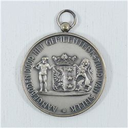 Municipality and town council Medal with Bezel and spot for engraving on the back . Diameter 50mm