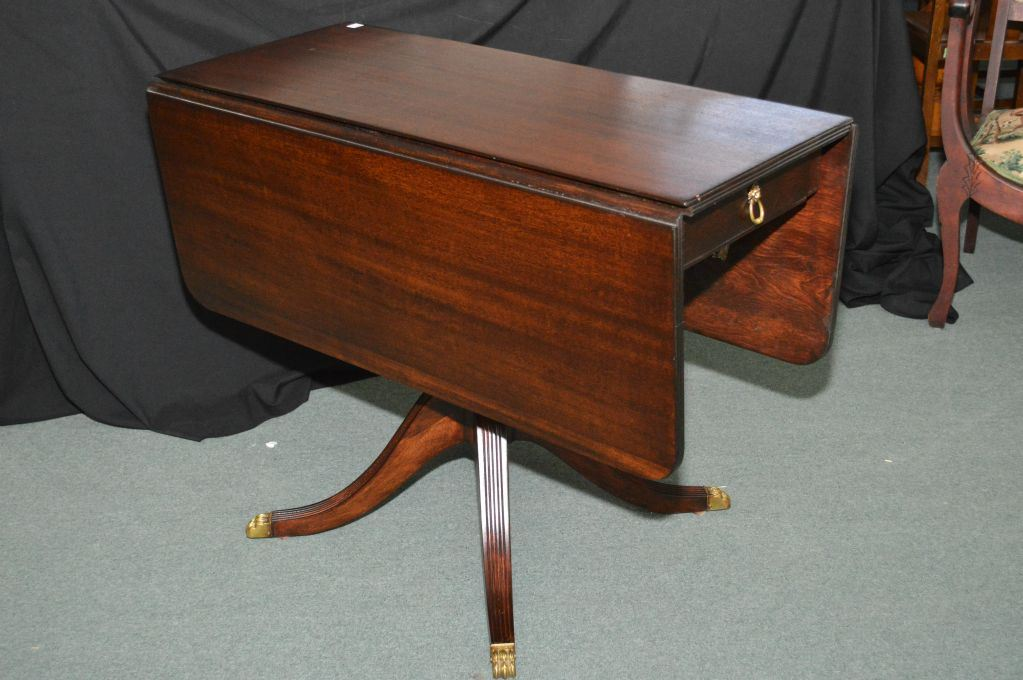 Image 1 : Mid 20th Century Mahogany Drop Leaf Regency Style Single Pedestal  Table With Brass ...