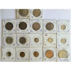 World lot: Mexico, centavos and pesos from 1966 to 1977, containing 17 coins total.