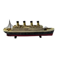 James Cameron Titanic Ship Model Movie Props