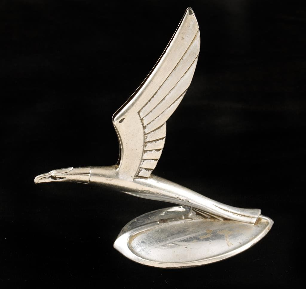 Wing hood ornament - Winged Eagle Hood Ornament Cal 1933 Chevy Near Fine Condition Est
