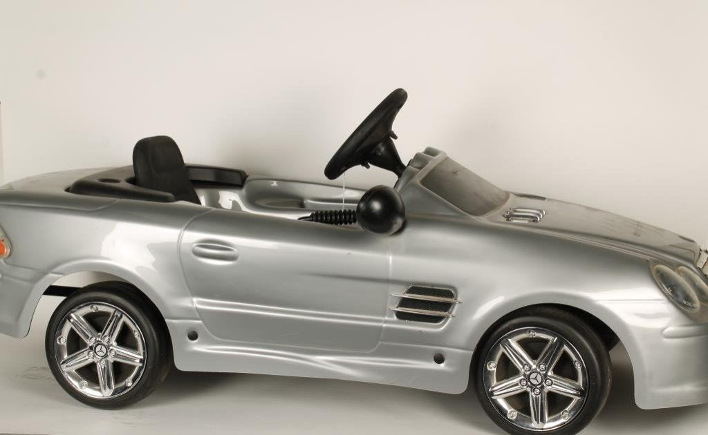 mercedes benz pedal car made by toys toys italy est 200 400. Black Bedroom Furniture Sets. Home Design Ideas