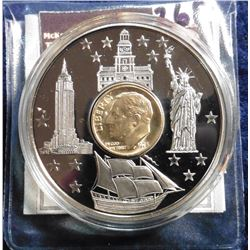 2001 American Mint Medal - Roosevelt Dime Inlay Coin. Material: Cu/Ni, with 24k gold layered in inla