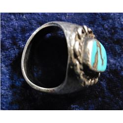 Sterling Silver & Turquoise Navajo style Men's Ring. Approximately size 10. Weighs 26.6 grams.