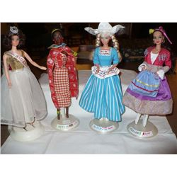 Barbies on Stand (4)