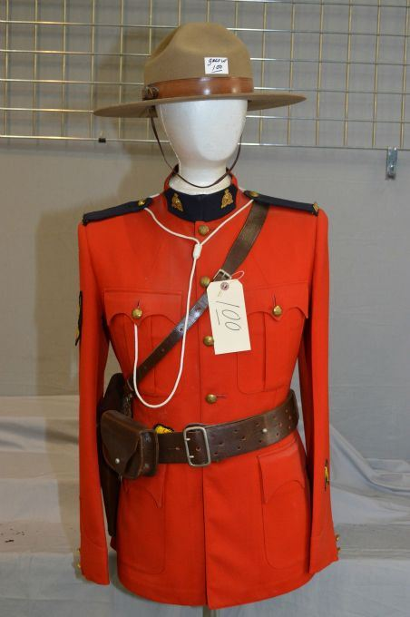 Red Serge Rcmp Tunic W Badges Amp Buttons Sam Browne