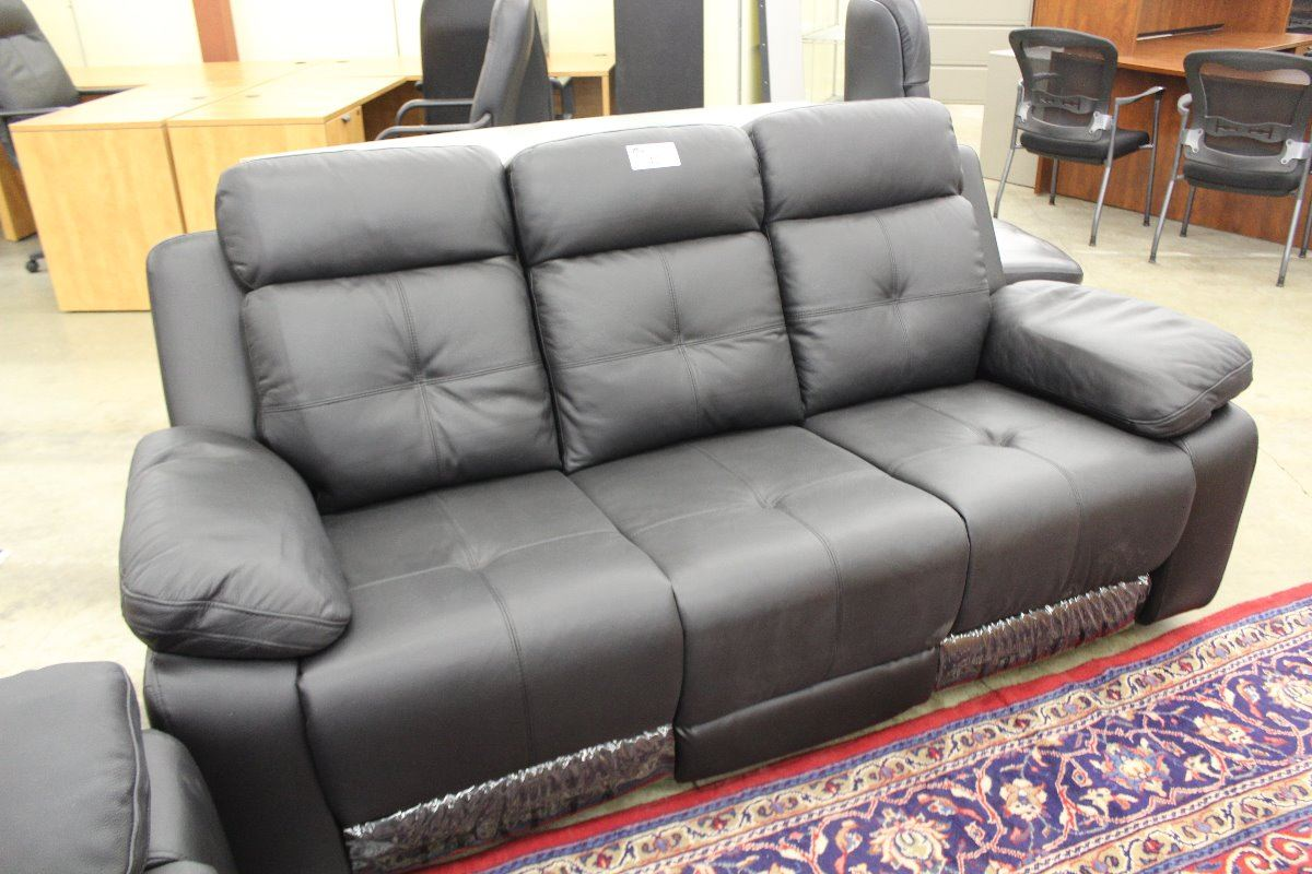 2 Piece Italia Black Leather Electric Reclining Sofa Set Sofa Loveseat Able Auctions