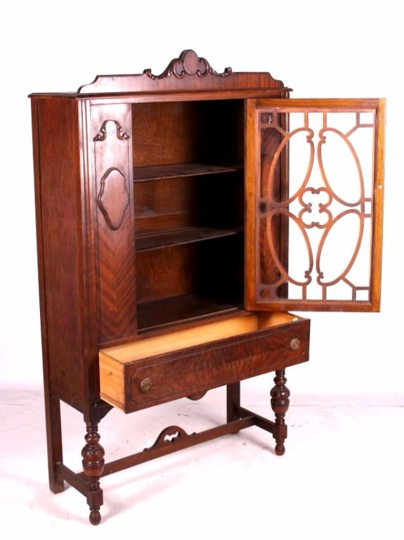 ... Image 5 : Antique 1920's Walnut China Cabinet ... - Antique 1920's Walnut China Cabinet