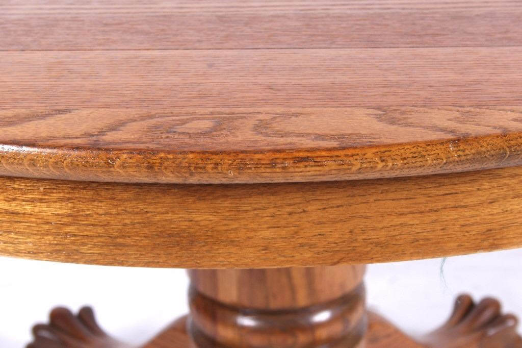 Antique Quarter Sawn Oak Claw Paw Foot Round Table