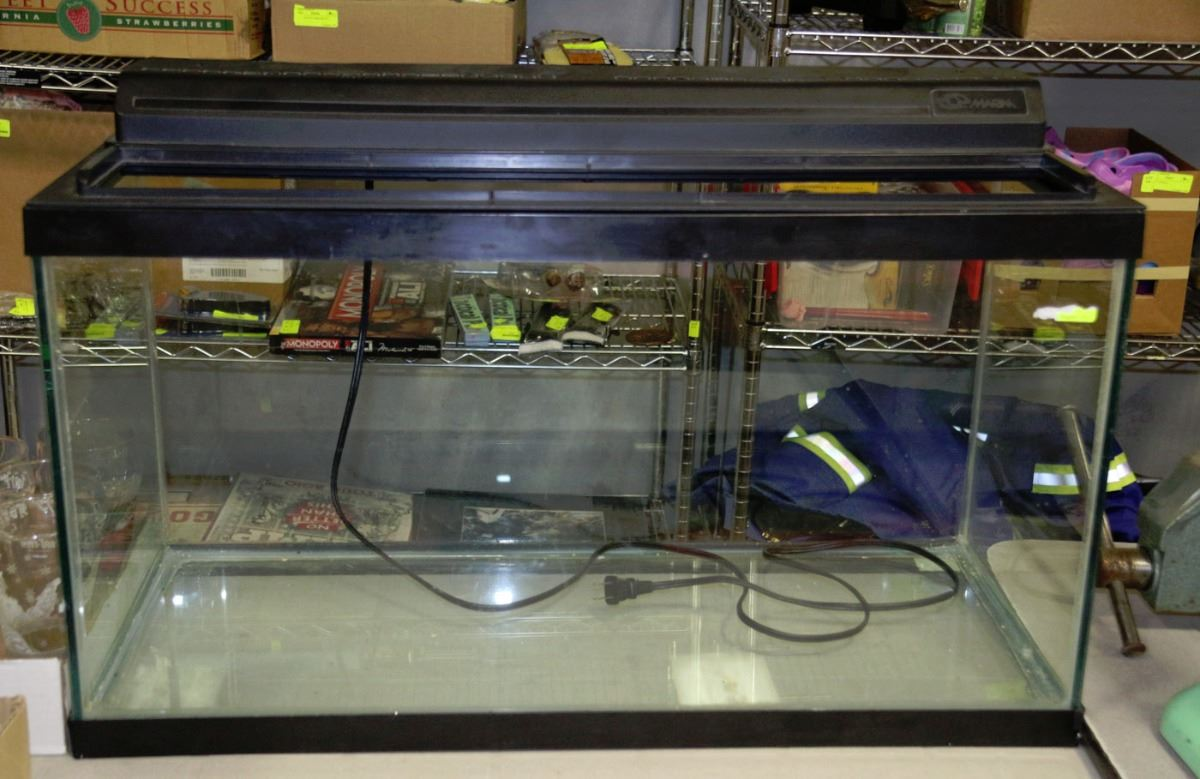 50 gallon fish tank with cover light kastner auctions for 50 gallon fish tank
