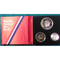 1776-1976 S 40% Silver Three-Piece Proof Set in a original blue holder. Includes Silver Quarter, hal