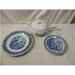 LOT 3 COVERED STONEWARE CASSEROLE DELFTS PLATES
