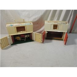 2 VINTAGE 1960'S PLAY FAMILY FARM BARN TOY