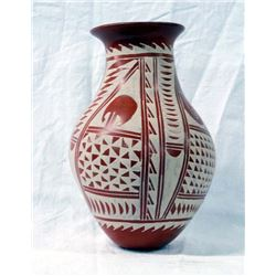 Mexican Mata Ortiz Pulled Spout Jar by Velia Reyes