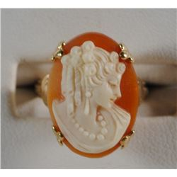 10 K YELLOW GOLD CAMEO RING SIZE 5. GORGEOUS CAMEO. VERY INTRICATE. STAMPED 10K-