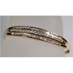 STUNNING 14k GOLD DIAMOND BANGLE BRACELET, 23 ROUND DIAMONDS 1.8mm  x  .025ct EA