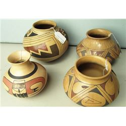 4 Pottery Ollas
