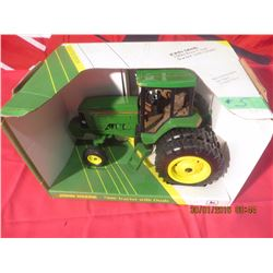 1/16 Scale John Deere 7800 Row Crop w/ Duals Collectors Edition #5627CA
