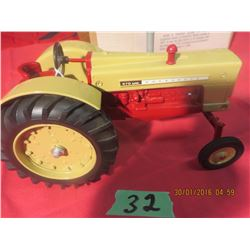 1/16 Scale Cockshutt 570 National Farm Toy Museum #4115PA