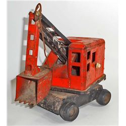 VINTAGE STEEL TOY CRANE - BELIEVE IT IS STRUCTO