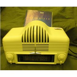 "Reproduction Classic Radio ""Tunemaster"", Model SM 950. Made exclusively for ""The Sharper Image"". Plu"