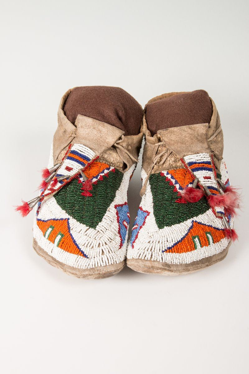 how to make beaded moccasins