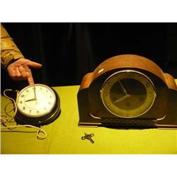 Mantle Clock w/ Key /Electric Westclox Clock