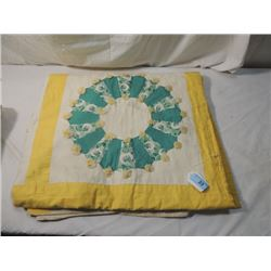 ANTIQUE VINTAGE HAND STITCHED QUILT