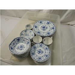CHINA SET JOHNSON BROS ENGLAND IRONSTONE INDIES