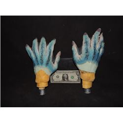 HELLBOY THE GOLDEN ARMY ABE SAPIEN PAIR OF HANDS ON LIFE CASTS OF DOUG JONES