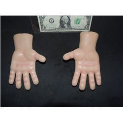 CURSE OF CHUCKY SCREEN USED HERO MATCHED PAIR OF HANDS FROM ANIMATRONIC PUPPET